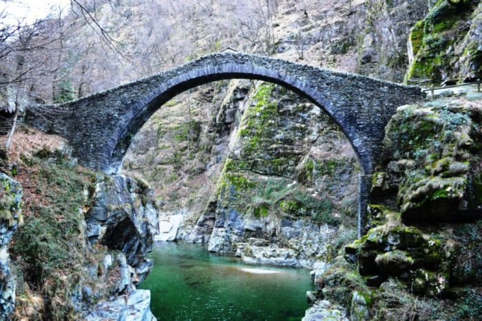 Podul Roman din Intragna