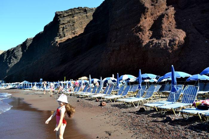 Read Beach Akrotiri