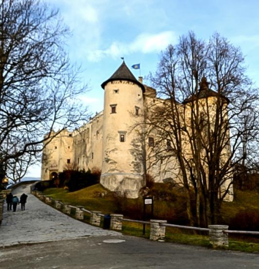 dunajec-castle
